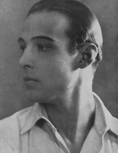 Rudolph Valentino, der bei den Amerikanerinnen populärste Filmschauspieler